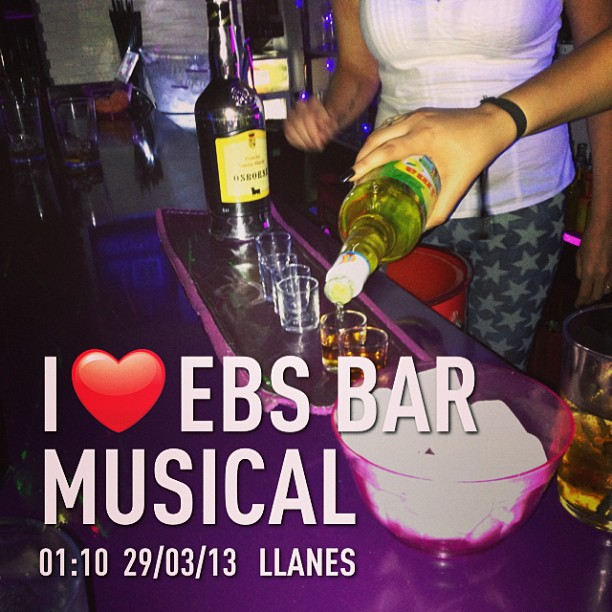 #instaplace #instaplaceapp #instagood #travelgram #photooftheday #instamood #picoftheday #instadaily #photo #instacool #instapic #picture #pic @instaplacemobi #place #earth #world  #españa #spain #ES #llanes #ebsbarmusical #nightlife #party #Bar #street #night #instagram