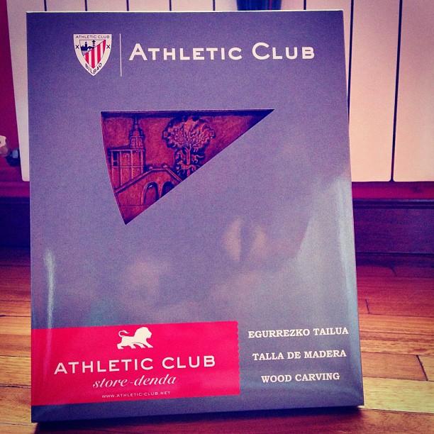 Talla de madera #athletic regalo de alumno, mola #instagram