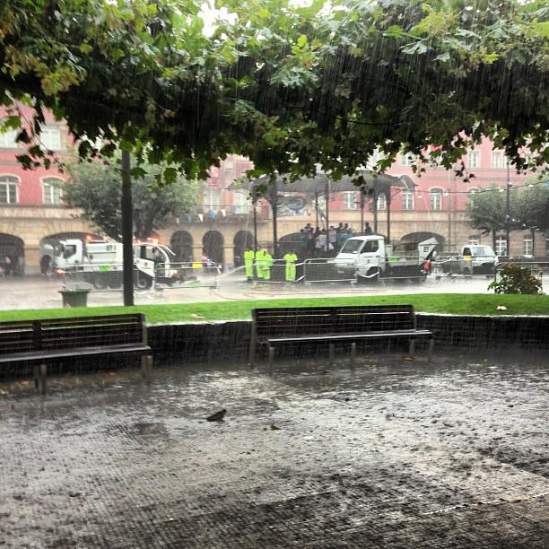 Llueve un poquito #jaiakerandio #erandio #instagram -