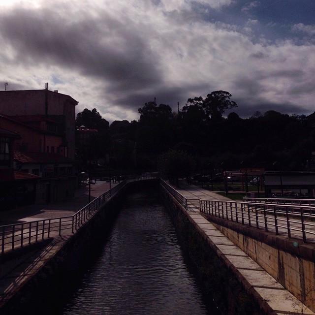 Puente de #llanes del lado menos fotografiado #instagram