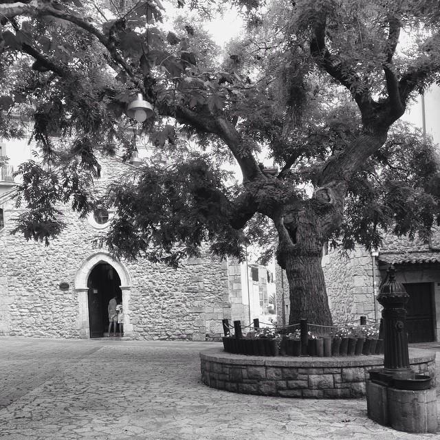 Al fondo la capilla de la Magdalena #igersasturias #llanes #paraiso #instagram