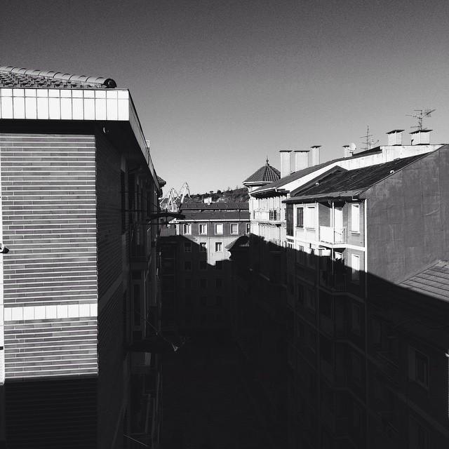 Sobre los tejados #bn #erandio #instagram -