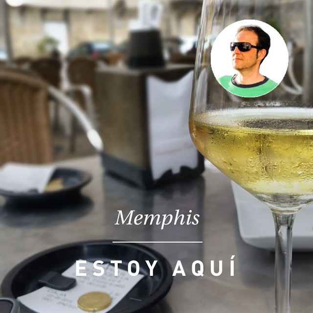 #instaplace #instaplaceapp #place #earth #world  #españa #spain #ES #rianxo #memphis #nightlife #party #Bar #street #day #instagram -
