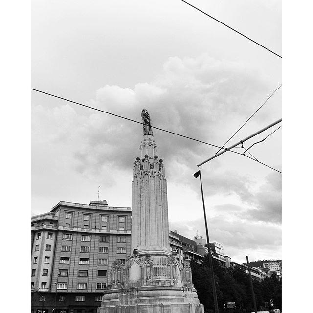 Uno de los guardianes de la ciudad #bilbao #Bizkaia #igersbilbao #instagram -