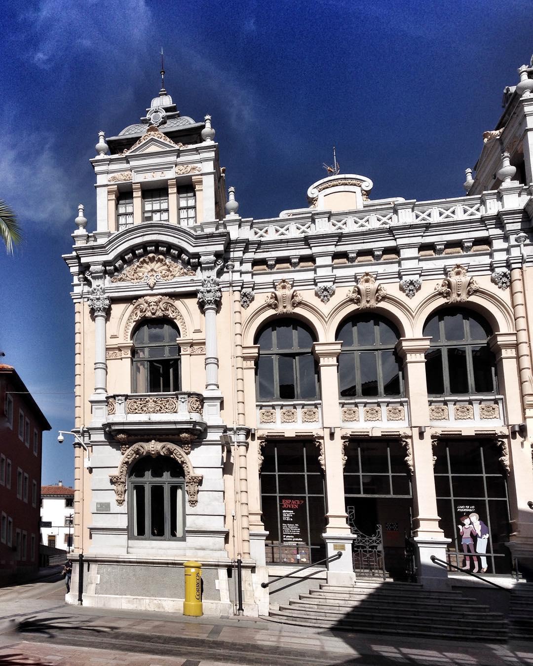 Edificios singulares Casino de Llanes - 1475850975
